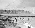 Picture of Isle of Wight - Beach Scene c1930s - N601
