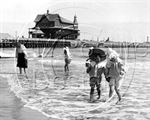 Picture of Suffolk - Lowestoft Beach & Pier c1890s - N394